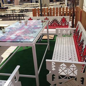 mobilier inspiratie folclor la Gourmet Festival