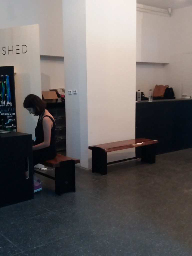 banci lemn Metal Creativ zona receptie Unfinished