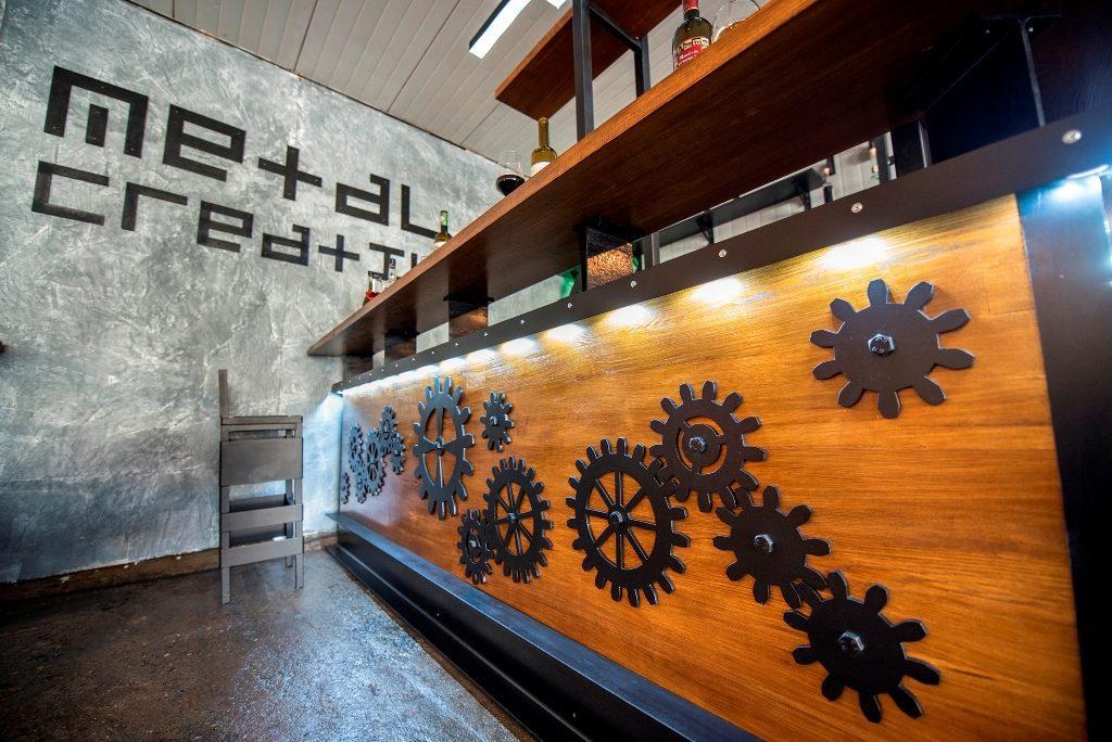 mobilier la comanda pentru bar