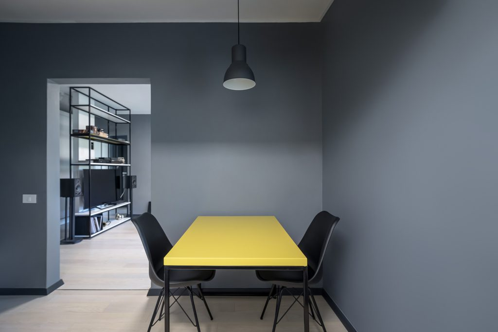 mobilier metalic minimalist realizat la comanda